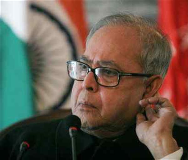 Pranab Mukherjee behind 'cover-up' on Netaji's air-crash, alleges book