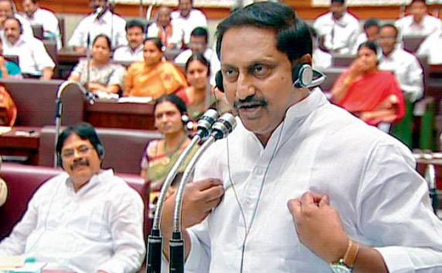 trs leaders fire on cm kiran kumar reddy
