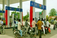 Refueling stations dealers threaten phase wise strike