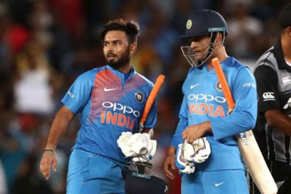 Rishabh pant started copying ms dhoni even in mannerisms msk prasad