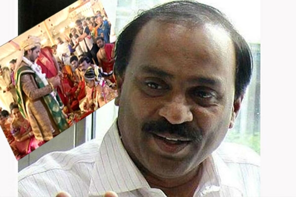 Driver s suicide note alleges gali janardhan reddy laundered rs 100 cr black money