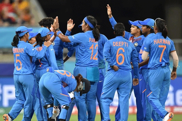 Poonam yadav s magical spell helps india beat australia in women s t20 world cup