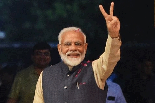Pm modi vows every moment of my life every fibre of my being devoted to nation